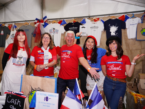 Le Festival Brisbane French Festival volunteers happy Maurice boutique
